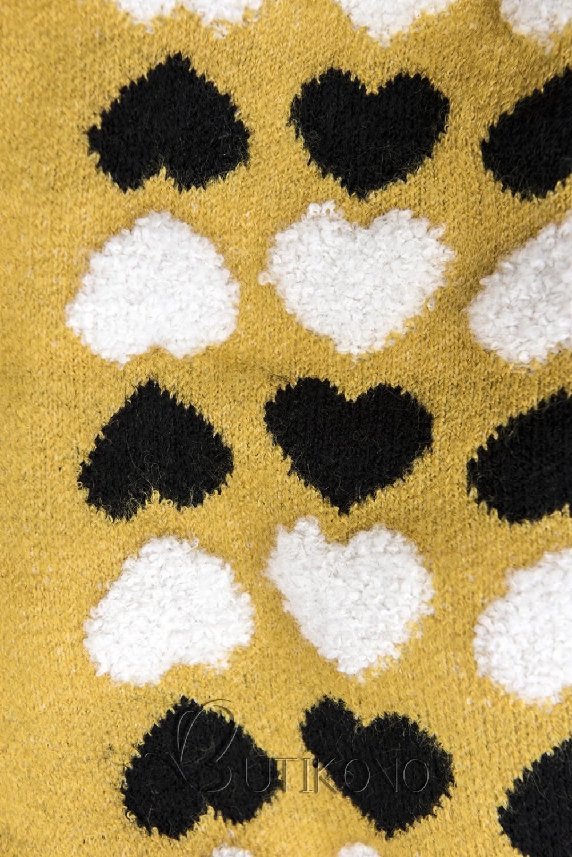 Žlutý svetr se srdíčky