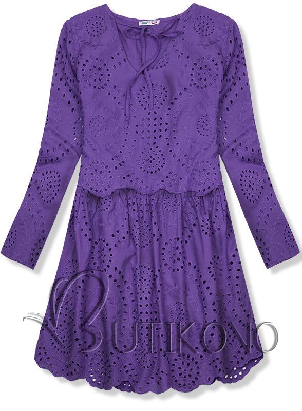 Fialové šaty z děrovaného materiálu
