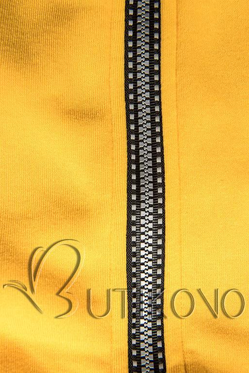 Žlutá mikina s pruhovanou podšívkou