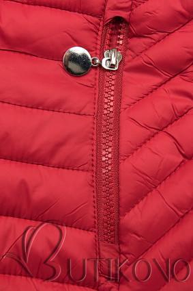Červená prošívaná přechodná bunda
