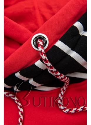 Červeno-černá pruhovaná tepláková souprava