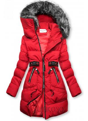 Červená zimní bunda s černými detaily